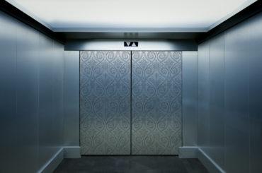 LABO Metal s.r.o.</br> Nerez v interiéru i mimo něj-</br>není povrch jako povrch