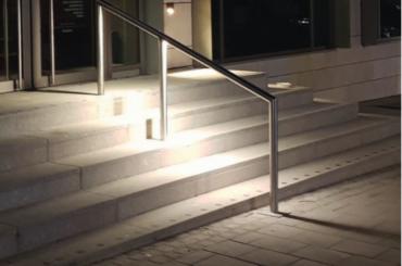 """Inovativní systém """"světlo v madlech""""</br>Osvětlovací technika Lux Glender"""